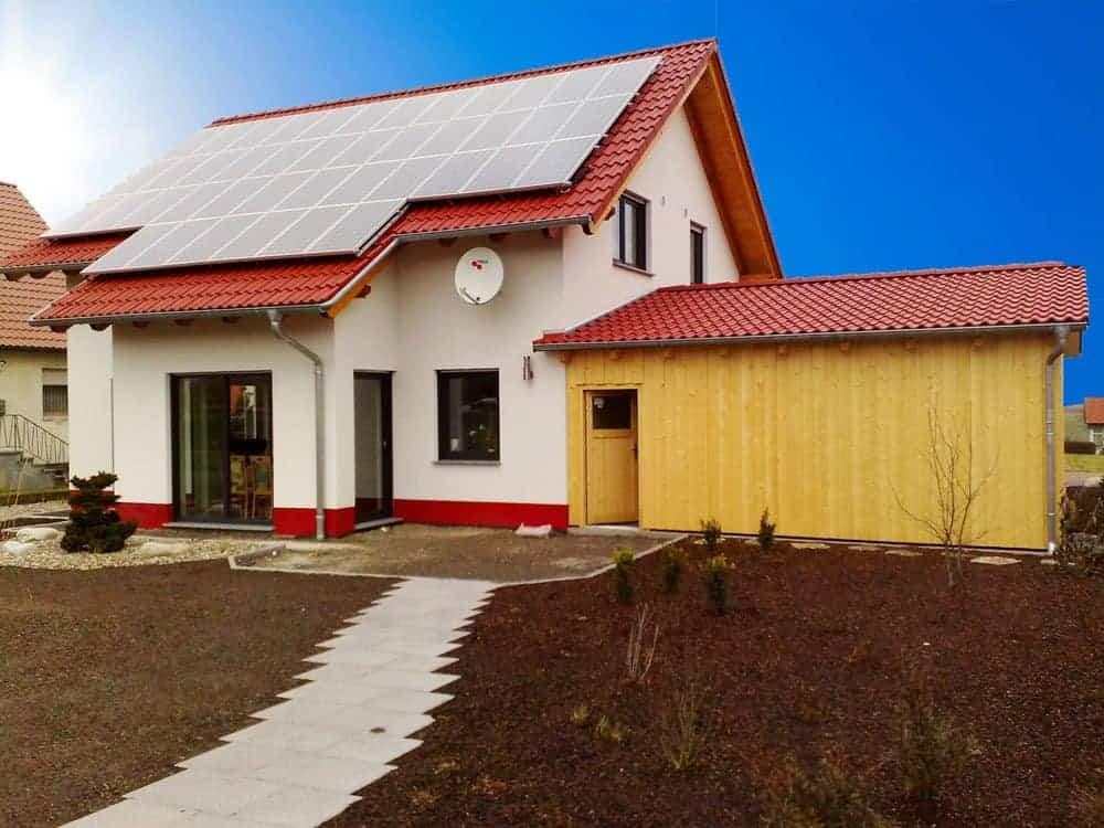 Einfamilienhaus mit Satteldach-Solarstromanlage in 97616 Bad Neustadt an der Saale