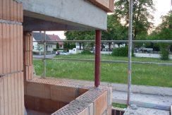 Eckfenster-mit-Stahlstütze