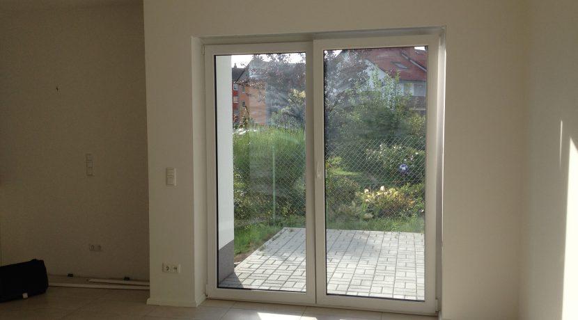2015-08-27_Petersberg-Wohnung3_Küchenaufbau+Sockelleistenneumontage3