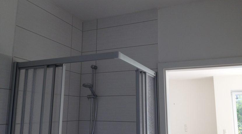 2015-08-27_Petersberg-Wohnung3_Küchenaufbau+Sockelleistenneumontage9