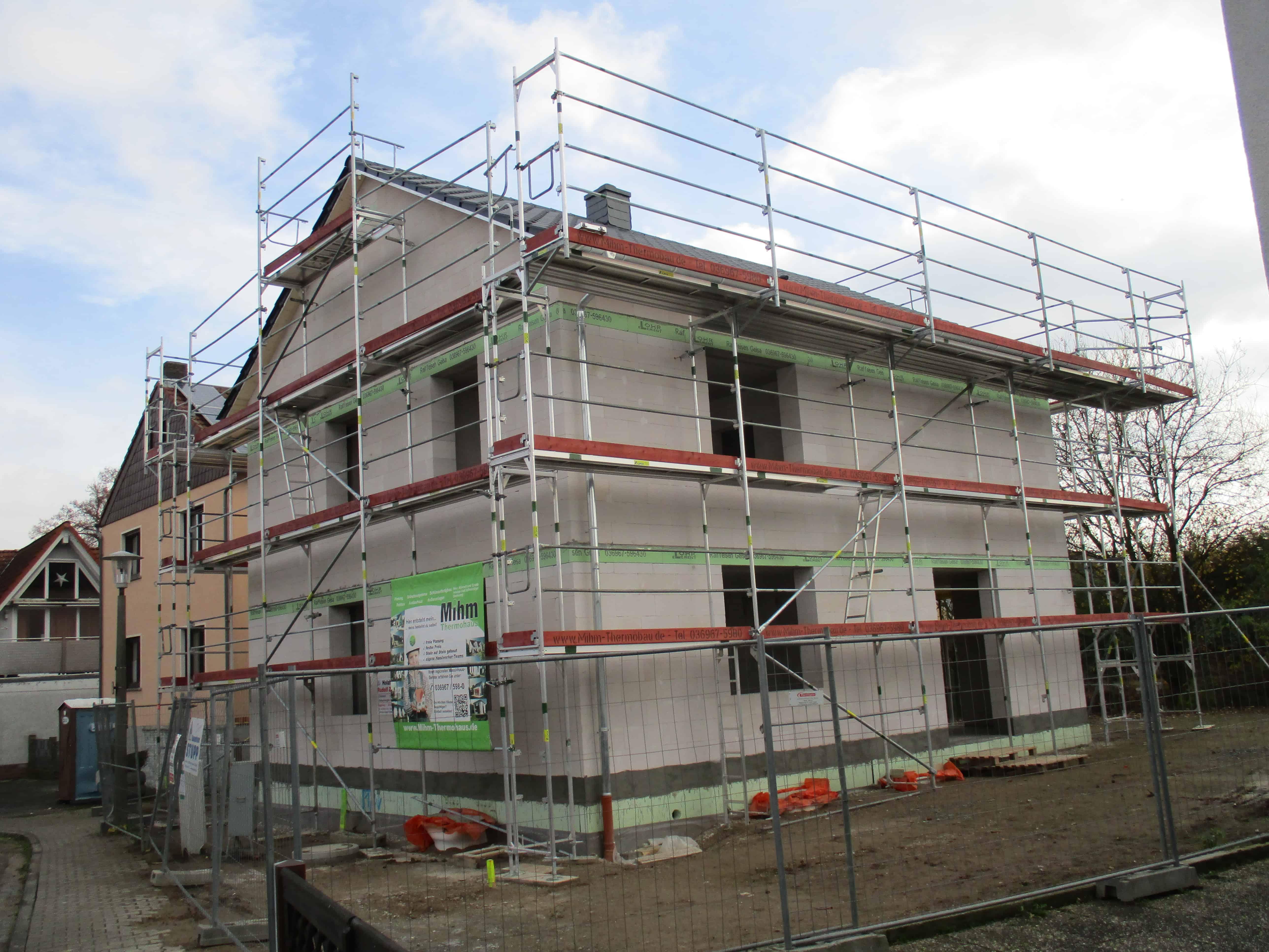 Zweifamilienhaus mit Vollunterkellerung, Balkon und DG-Ausbaureserve in 61138 Niederdorfelden